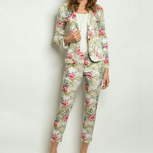 Jackets & Blazers - Ivory Floral Print Single Breasted Blazer